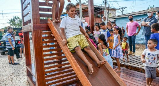 Prefeitura de Macapá inaugura parquinho na Fazendinha