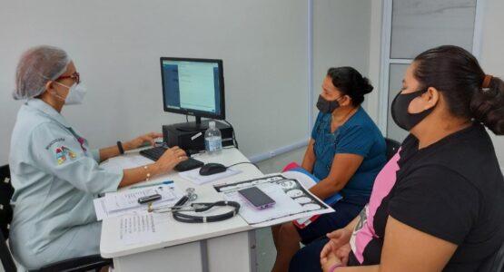 Outubro Rosa: moradoras da zona norte recebem ações de saúde no Centro de Especialidades Dr. Papaléo Paes